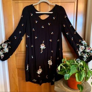 ❤️ Free People Embroidered Tunic